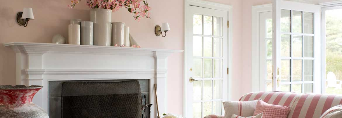 Living room with pink walls